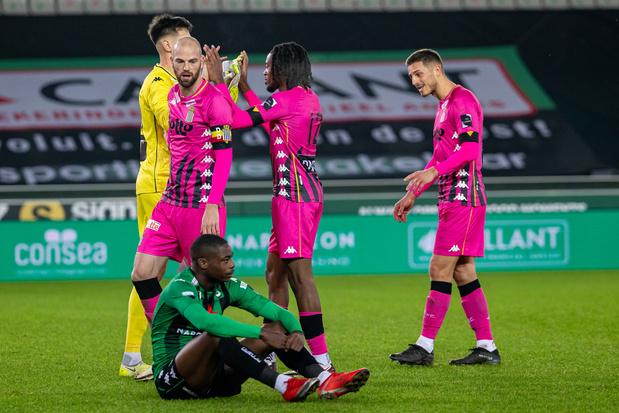 Remontées spectaculaires de Charleroi au Cercle et de Mouscron contre OHL