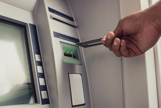 Cinq acteurs bancaires s'allient à Diebold Nixdorf pour la gestion de leurs distributeurs