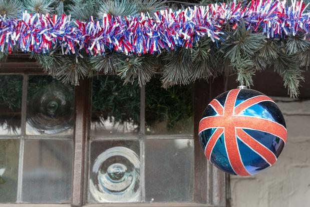 Accord post-Brexit: feu vert des 27 pour l'application au 1er janvier