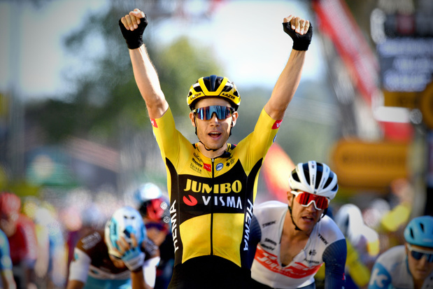 Wout van Aert sprint naar tweede ritzege: 'Ik timede perfect, denk ik. Wow'