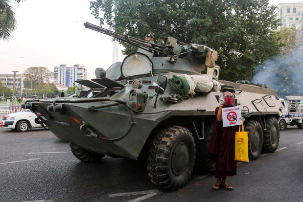 Myanmar: 'Leger schiet op demonstranten, journalisten gearresteerd'