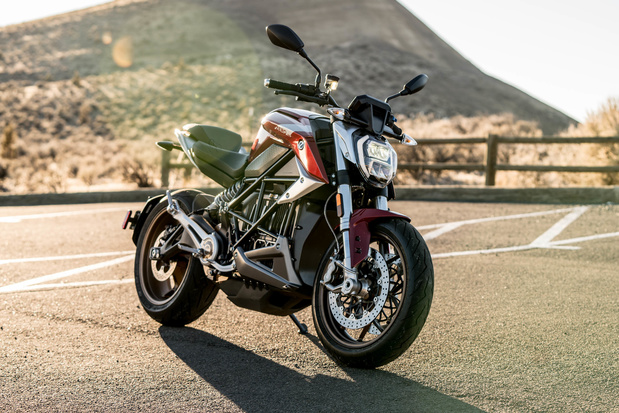 Zero Motorcycles schenkt snelladers