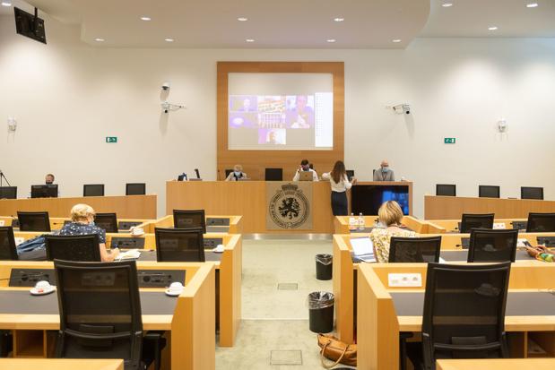 La Chambre approuve le rapport et les 135 recommandations de la commission spéciale covid