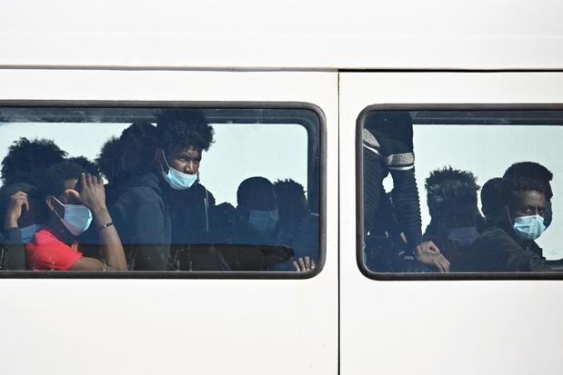 172 migranten gered uit houten boten op Middellandse Zee