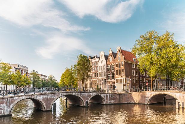 Amsterdam en Wenen worden vrijdag rode zone