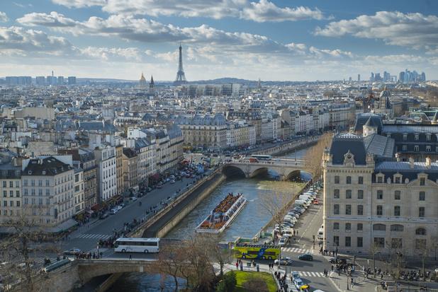 Parijs plant vliegende taxi's tegen 2024