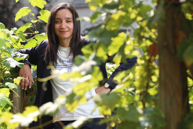 Rajae Maouane, jeune élue molenbeekoise éprise de justice sociale