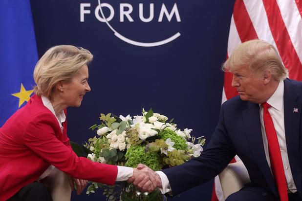 "Davos: Les Etats-Unis et l'UE discutent d'un ""accord commercial"", selon Trump"