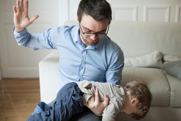 Donner des fessées nuit au développement du cerveau des enfants