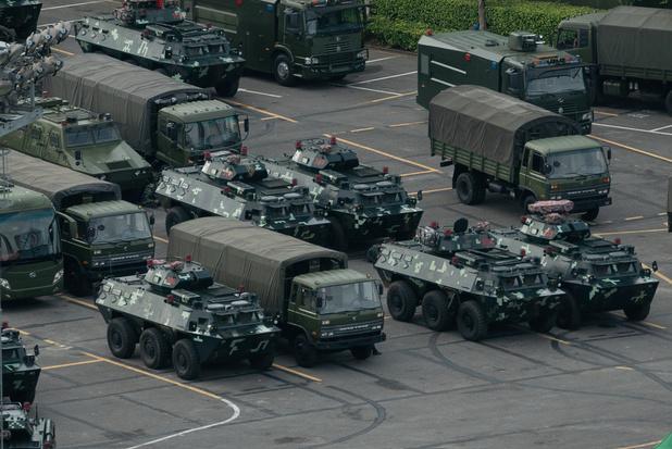 """""""Pékin ne restera pas les bras croisés"""" si la situation devient """"incontrôlable"""" à Hong Kong"""
