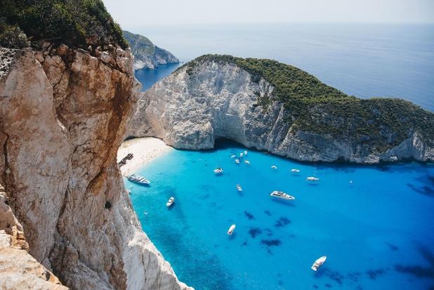 La Grèce déroule le tapis rouge aux touristes