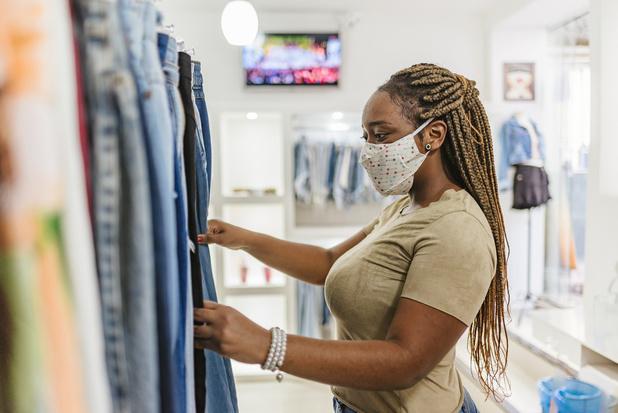 'Shoppen per twee komt soldenverkoop onmiddellijk ten goede'