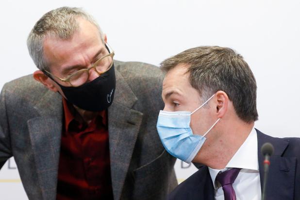 """MR, PS et CD&V critiquent Vandenbroucke, mais le savent """"intouchable"""" (analyse)"""