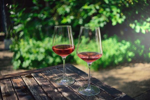 UZ Brussel en VUB meten impact van coronamaatregelen op alcohol- en drugsgebruik