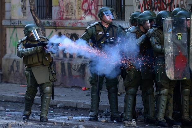 Chileense president Piñera veroordeelt politiegeweld tegen betogers