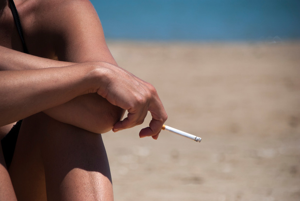 Steeds meer Belgische stranden krijgen rookvrije zone