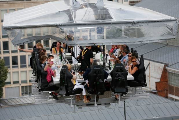 Dinner in the Sky van 13 tot 23 juni boven Brussels Kanaal