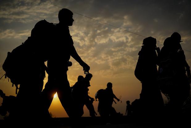 Coronavirus : certains migrants, demandeurs d'asile et étrangers peuvent voir leur situation s'améliorer
