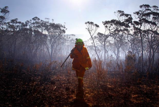 Zes Australische brandweermannen zwaargewond nadat hun truck crasht