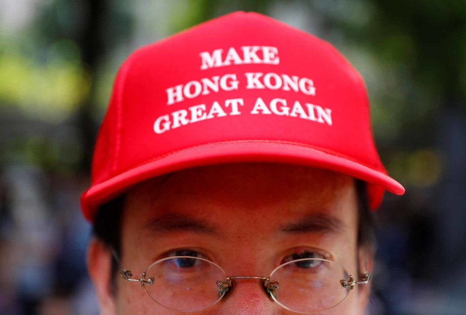 In beeld: betogers Hongkong gaan door en roepen hulp van Trump in