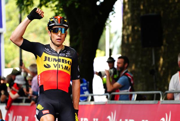 Deuxième victoire d'étape et maillot de leader pour Wout Van Aert sur le Tour de Grande-Bretagne