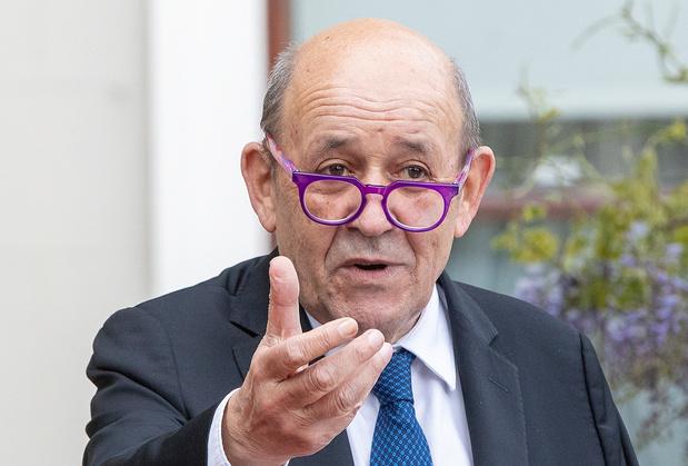La France, meurtrie, en situation délicate sur la scène internationale