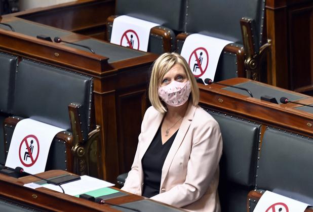 Eliane Tillieux: les procédures sont là pour protéger le parlement