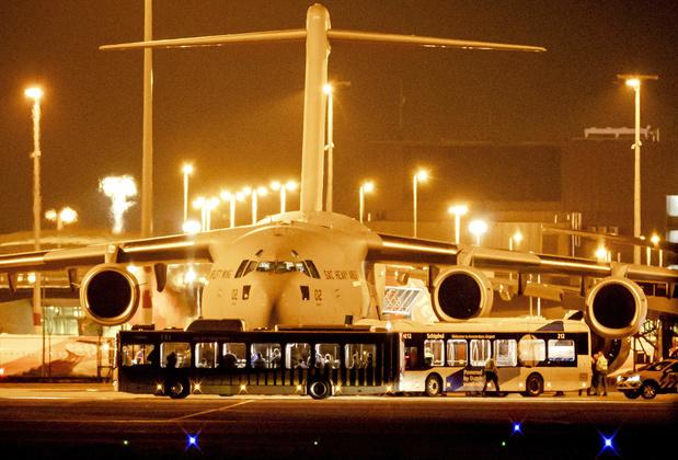 Afghanistan: l'avion néerlandais, avec 16 Belges à son bord, a atterri à Amsterdam