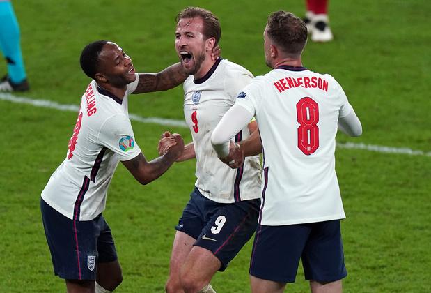 Stars à domicile et un Sterling de feu: pourquoi l'Angleterre va gagner l'EURO