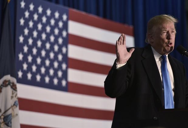 Trump dénonce la gauche radicale, les médias et la Chine lors d'une fête nationale divisée