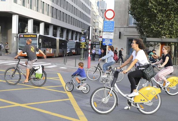 Un dimanche sans voiture à Bruxelles, Saint-Ghislain et Morlanwelz