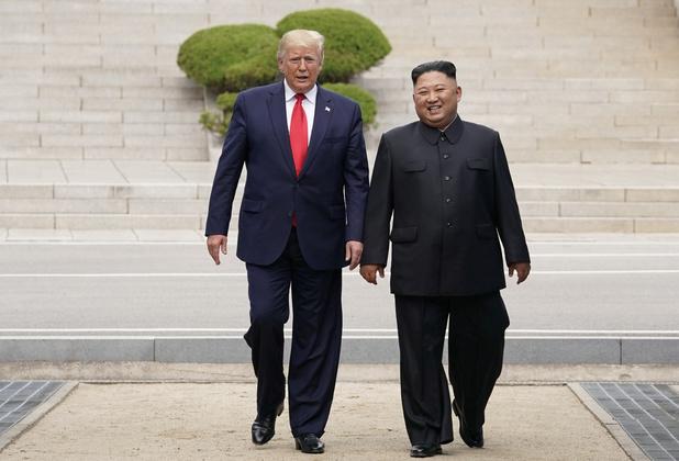"""Washington et Séoul reportent leurs manoeuvres aériennes """"en signe de bonne volonté"""""""