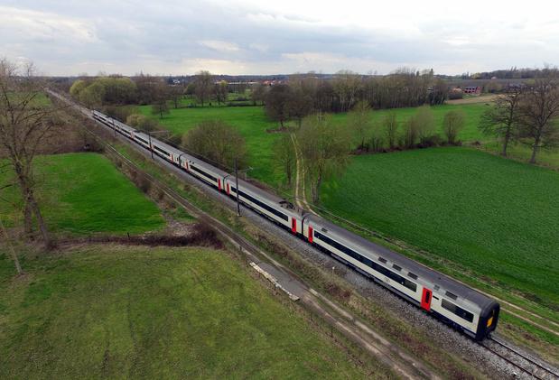 """SNCB: un """"service de trains d'intérêt national"""" à partir de ce lundi"""