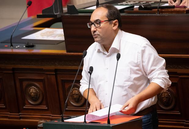 """Ahmed Laaouej (PS): """"Le PTB est mal placé pour faire la morale"""""""