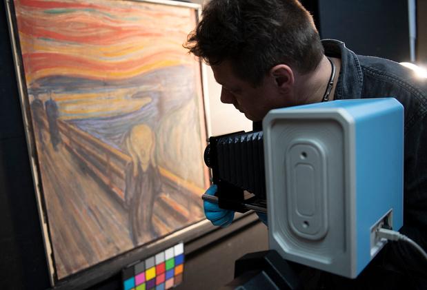 """Qui a écrit """"Ne peut avoir été peint que par un fou"""" sur Le Cri de Munch?"""
