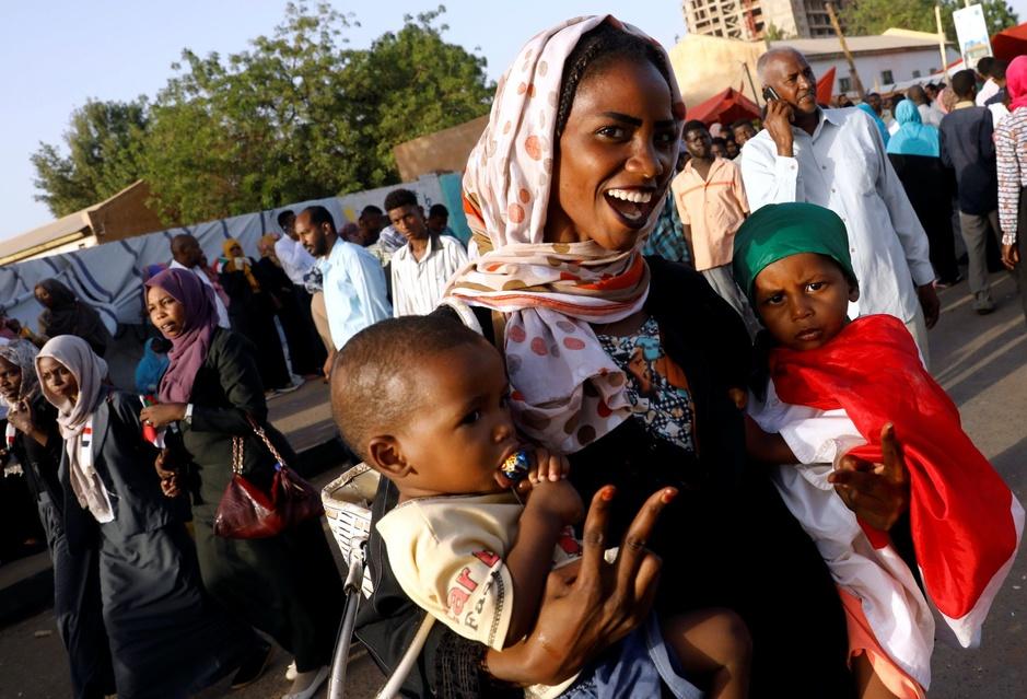 In beeld: De Sudanezen die na dertig jaar dictatuur democratie eisen