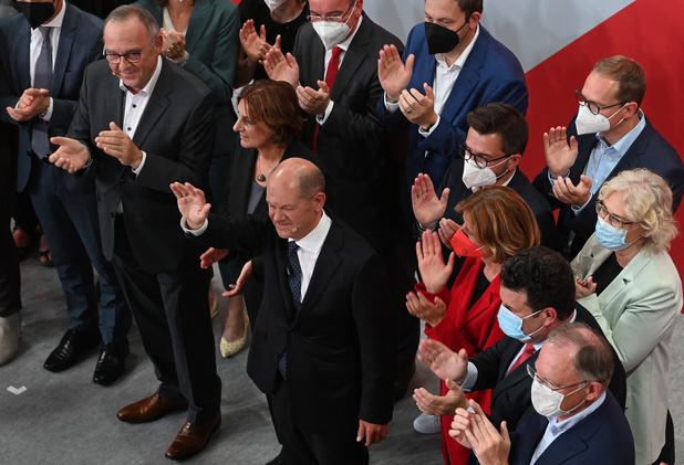 Elections: les Allemands hésitent à solder l'ère Merkel