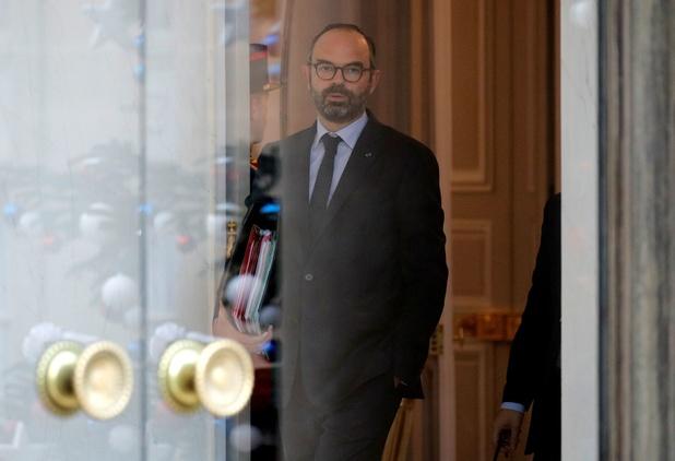 """France : Edouard Philippe veut """"baisser plus vite les impôts"""""""