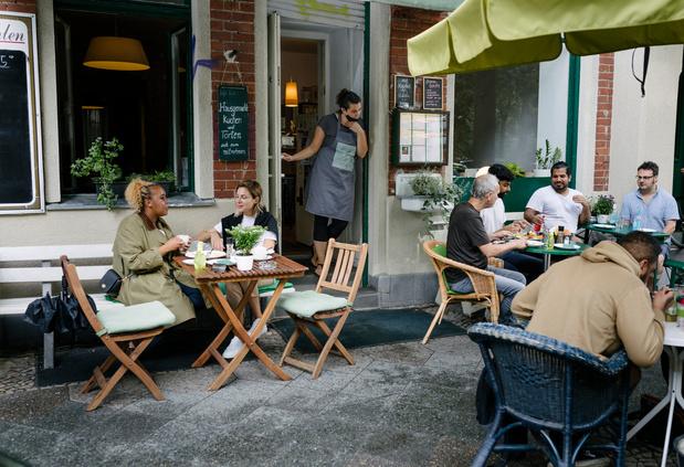 In Frankrijk is coronapas nu ook verplicht op café en restaurant