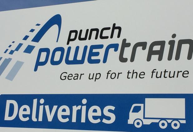 Arbeiders Punch Powertrain hebben het werk hervat
