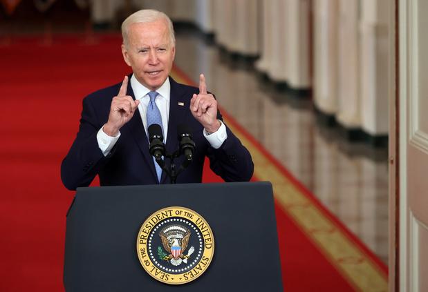 """Biden loue """"l'extraordinaire succès"""" de la mission d'évacuation d'Afghanistan"""