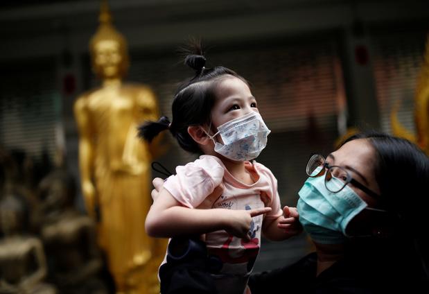 Pourquoi le coronavirus semble épargner les enfants