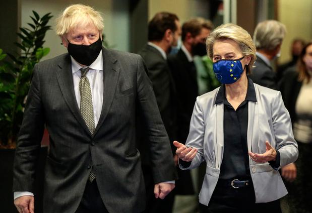 """Un Brexit sans accord commercial """"très, très probable"""", selon Boris Johnson"""