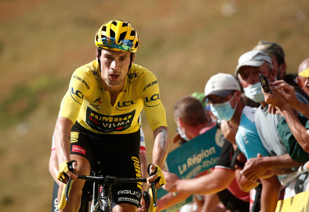 Tour: Martinez wint rit, Roglic steviger in het geel