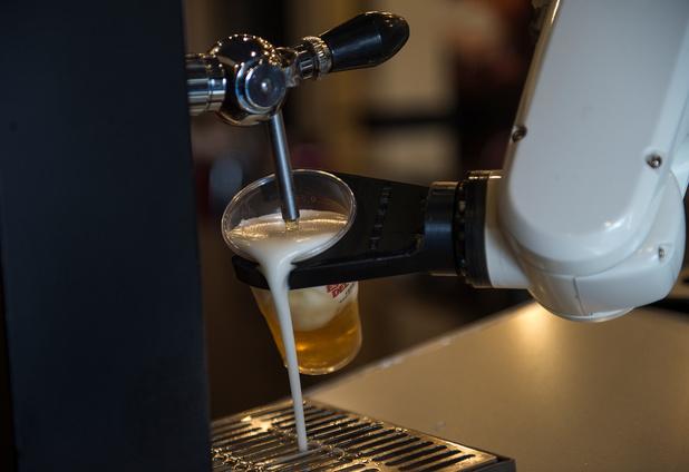 En Espagne, les commandes de bières se font désormais à distance grâce à un robot