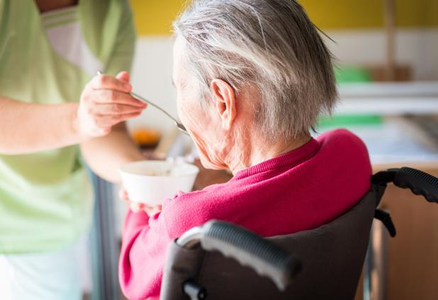 Mensen met een aanleg tot alzheimer moeten geraffineerde koolhydraten mijden
