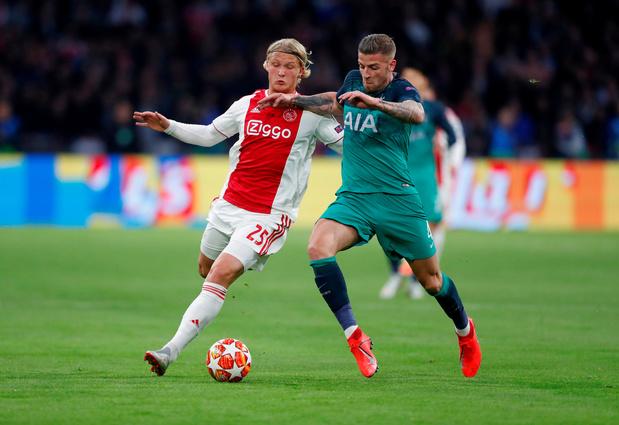 Kasper Dolberg passe de l'Ajax à l'OGC Nice pour 20,5 millions