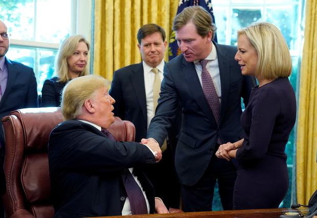 Donald Trump ontslaat topfunctionaris die verkiezingen 'veiligste ooit' noemde