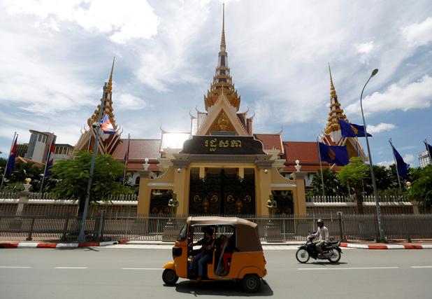 Cambodja stuurt internetverkeer verplicht langs overheidsgateway