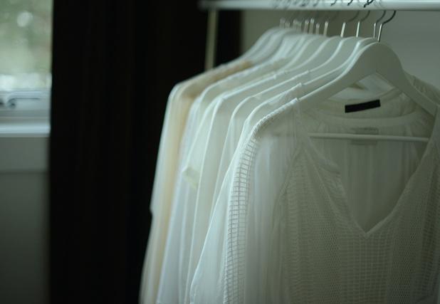 Handelaars klagen over slechte soldenperiode: nog 40 procent van de kleren in stock